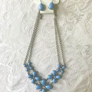 *NWT* Charming Charlie Necklace & Earring Set